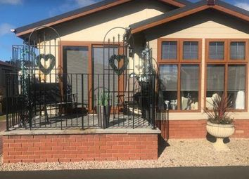 Thumbnail 2 bed mobile/park home for sale in Bishops View, Gairneybridge, Kinross