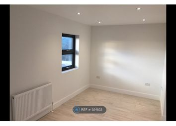 Thumbnail 1 bed flat to rent in Ilford, Ilford
