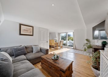 Fulham Palace Road, Fulham SW6. 3 bed flat for sale