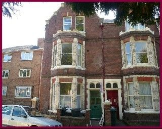 Thumbnail 1 bed flat to rent in Queens Crescent, Exeter