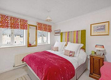1 bed flat for sale in Rosethorn Close, London SW12