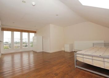 Thumbnail 3 bed flat to rent in Gloucester Drive, Finsbury Park, London