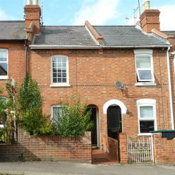 Thumbnail 3 bed terraced house to rent in Queen Street, Caversham, Reading