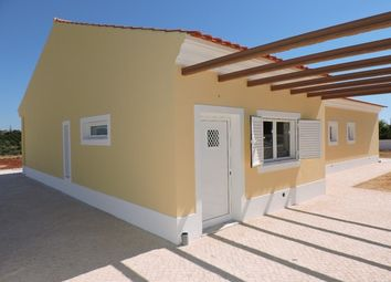 Thumbnail 4 bed villa for sale in Alcantarilha, Portugal