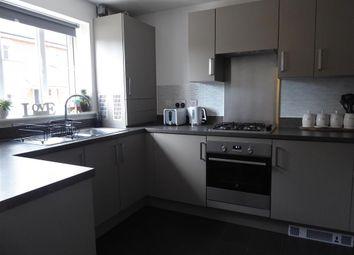 Killick Road, Horley, Surrey RH6. 2 bed semi-detached house for sale