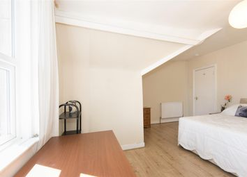 Thumbnail 1 bed flat to rent in Top Floor Flat, Lower Oldfield Park