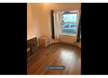 Thumbnail 1 bed flat to rent in Lincoln Road, Reading
