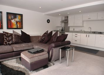Thumbnail 2 bed flat to rent in Thames Street, Surrey