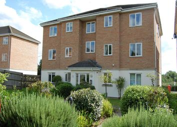 Thumbnail 2 bed flat to rent in Jubilee Court, Thatcham, Berkshire