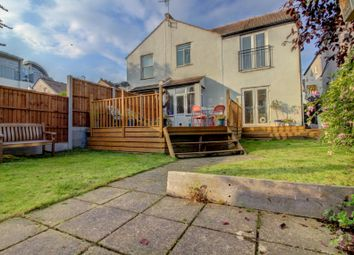 Thumbnail 2 bed flat for sale in Maple Avenue, Leigh-On-Sea