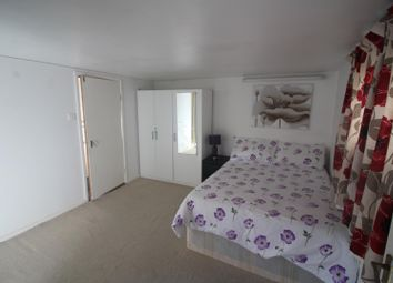 Thumbnail Property to rent in Falcon Crescent, Ponders End, Enfield