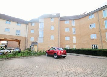New Mossford Way, Barkingside, Ilford IG6. 2 bed flat