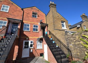Thumbnail 2 bed flat to rent in Crowhurst Road, Colchester
