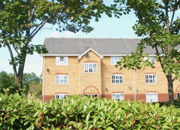 2 bed flat to rent in Coal Court, Grays RM17