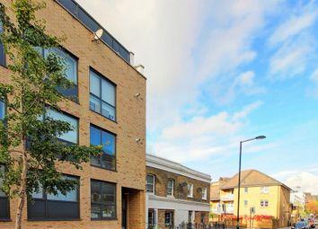 Thumbnail 2 bed flat to rent in Boleyn Road, Hackney