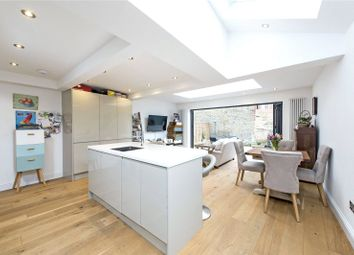 Thumbnail 2 bed flat to rent in Geraldine Road, Wandsworth, London