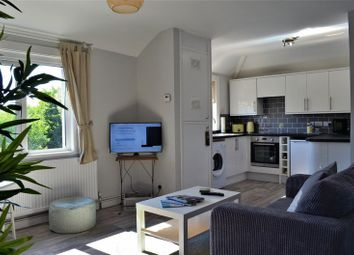 Thumbnail 2 bed flat to rent in Kennett Road, Headington, Oxford