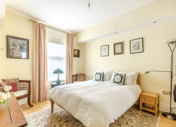 2 bed flat for sale in Nevern Square, Earls Court, London SW5
