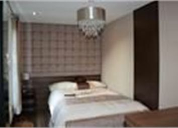 Thumbnail Room to rent in Harvest End, Watford, Hertfordshire