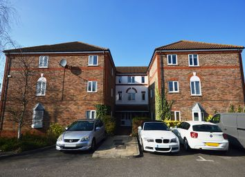 Thumbnail 1 bed flat to rent in Rembrandt Court, Epsom, Surrey.