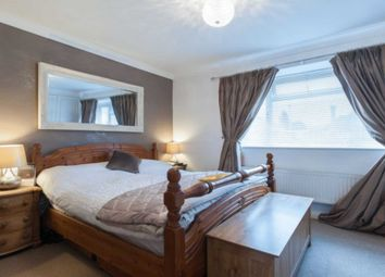 Thumbnail 6 bedroom detached house for sale in Sugden Road, Surrey