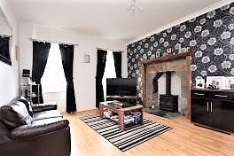 Thumbnail 4 bed cottage for sale in Main Street, Lanark