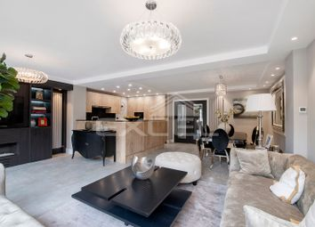 Thumbnail 5 bedroom flat to rent in Court Close, St. Johns Wood Park, London