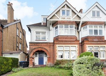 Heathhurst Road, Sanderstead, South Croydon CR2. 1 bed flat