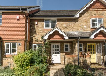 2 bed property for sale in St Thomas' Close, Surbiton KT6