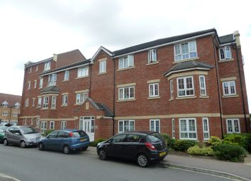 Thumbnail 2 bed property to rent in Watling Gardens, Dunstable