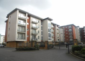 3 bed flat to rent in Parkhouse Court, Hatfield AL10