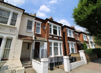 Thumbnail 1 bed flat to rent in Earlsfield Road, Wandsworth