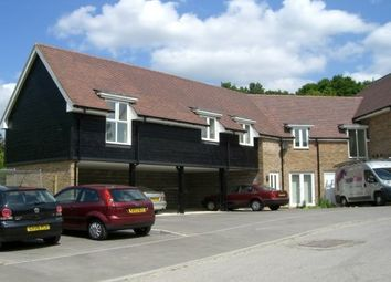 3 bed property to rent in Stone Court, Crawley RH10