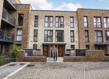 Mary Rose Square, Marine Wharf / Surrey Quays SE16. 4 bed town house for sale