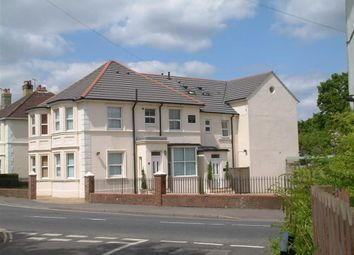 Thumbnail 1 bed flat to rent in Hanover House, East Grinstead, West Sussex