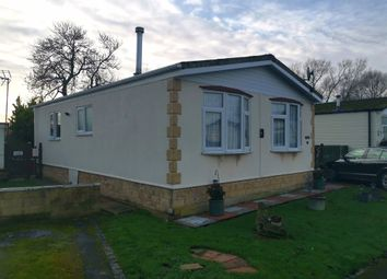 Thumbnail 2 bed mobile/park home for sale in Thameside Court, Northmoor, Witney