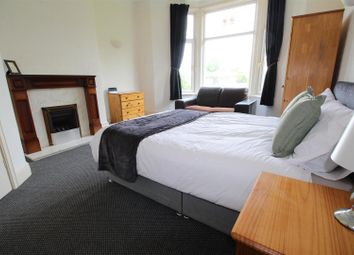 Thumbnail 1 bed flat to rent in Park Grove, Shipley