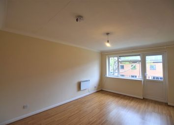 1 bed flat to rent in Bideford Close, Feltham TW13
