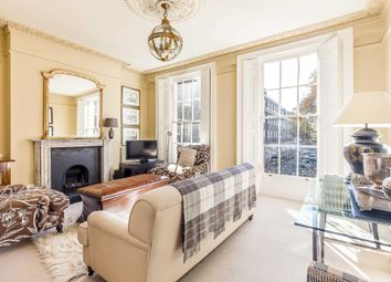 Canonbury Square, Islington N1. 2 bed flat for sale