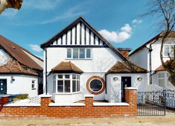 Brookside Road, London NW11. 4 bed detached house