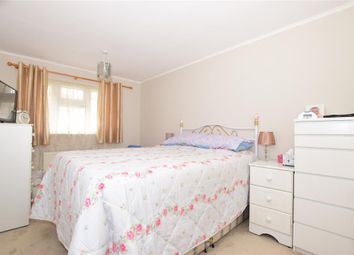 Thumbnail 2 bed flat for sale in Hackington Crescent, Beckenham, Kent