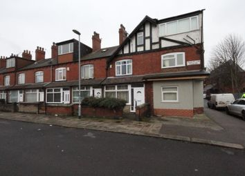 Thumbnail 1 bed flat to rent in Crossflatts Crescent, Leeds