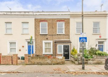 Thumbnail 2 bed property to rent in Hartfield Crescent, Wimbledon