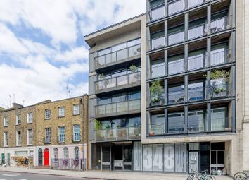 Thumbnail 2 bed flat to rent in Goswell Road, Islington