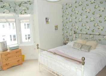Thumbnail 2 bed flat to rent in Livingstone Road, Hove
