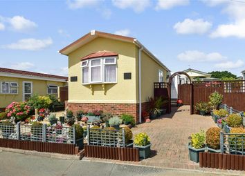 2 bed mobile/park home for sale in Folly Lane, East Cowes, Isle Of Wight PO32