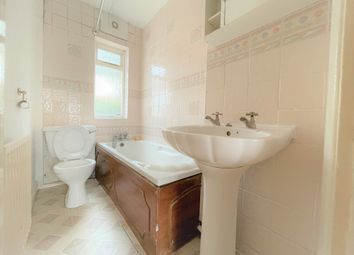 Thumbnail Maisonette to rent in Avon Close, Hayes, Middlesex