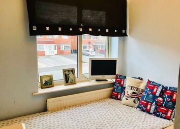Thumbnail Room to rent in Single Room, Smalldale Road, Great Barr