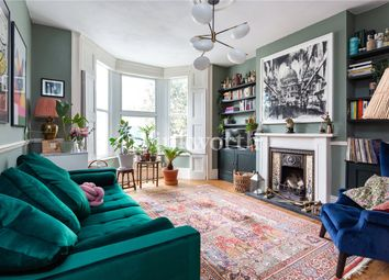 Bedford Road, South Tottenham, London N15. 2 bed flat for sale