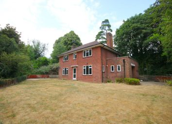Thumbnail 5 bed detached house to rent in Paradise Road, Henley-On-Thames